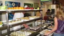 Setkání ve Francii (2006-07)  Nabídka salátů ve školní jídelně